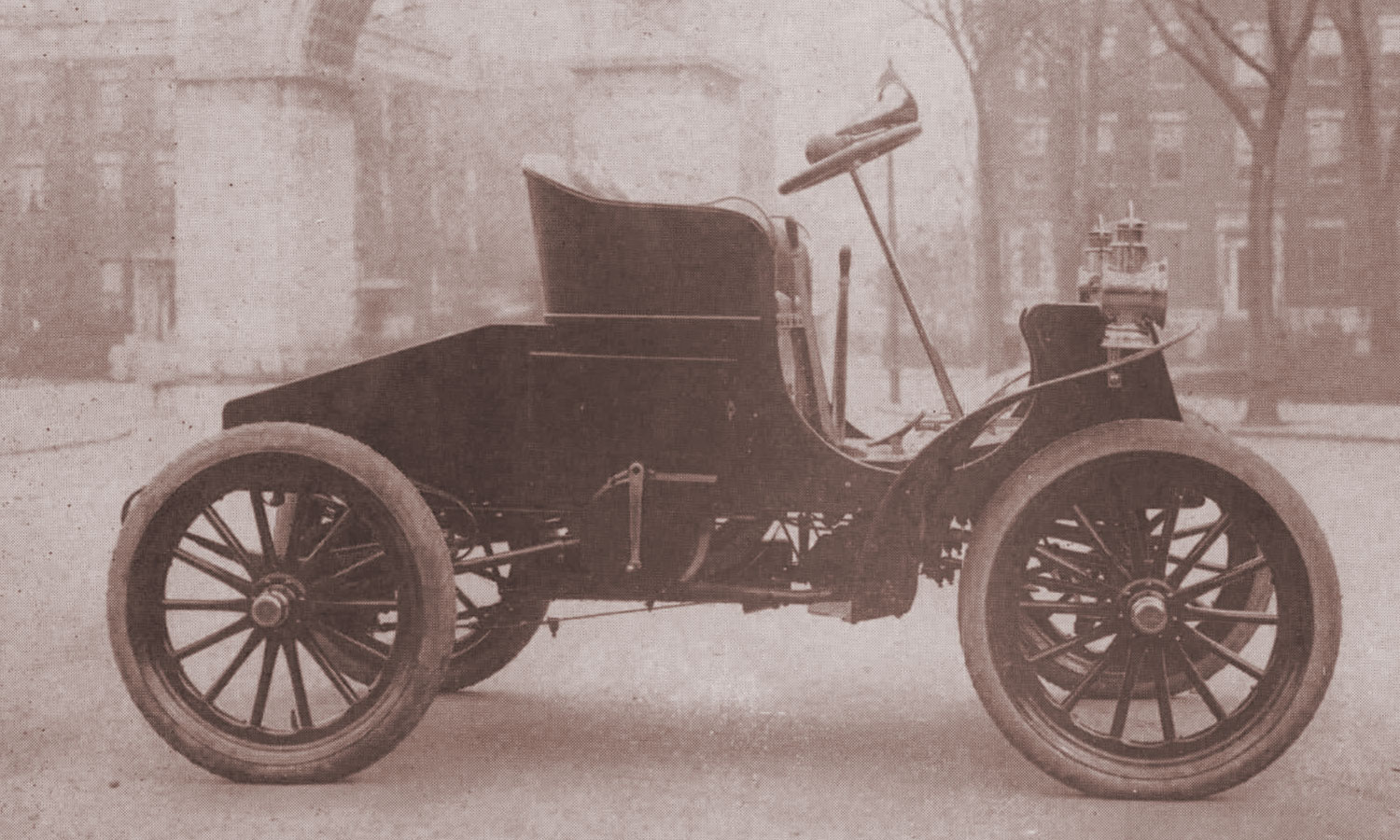 1890 - 1901 Creating an Empire | The Rise of Packard